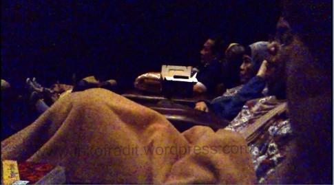 sofa + selimut premiere
